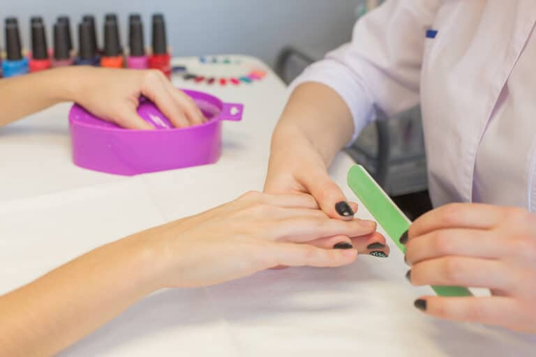 What Is a Professional Nail Salon?