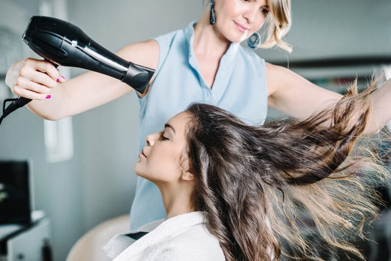 What to Expect From a Dominican Hair Salon